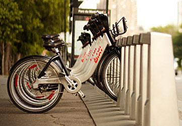 De bicicletas y carros colectivos -