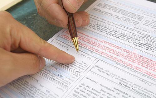 Un contrato de asesoría se firma con una persona, no una empresa -