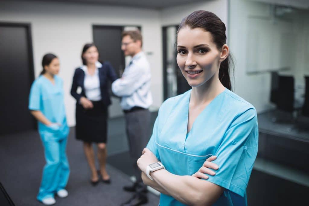 Quebec: Programa piloto de auxiliares de enfermería - auxiliares de enfermería